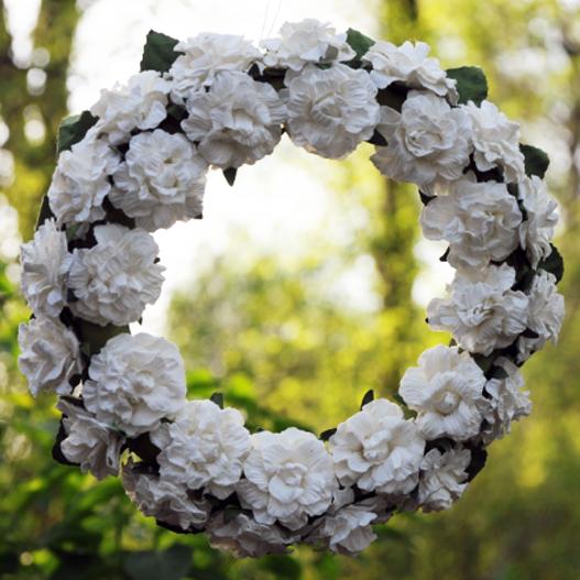 Wianuszek Kremowy z Kwiatów φ 15 cm